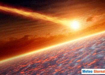Oggetto che entra in contatto con l'atmosfera terrestre.