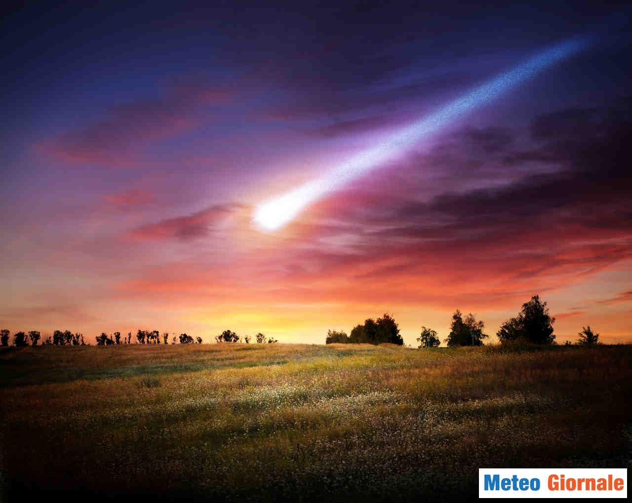 meteo giornale 00050 - Video: METEORA esplode in cielo, con un bagliore impressionante