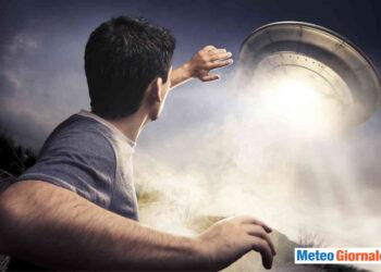 nasa ha reso pubblici dei video con degli ufo 350x250 - UFO, ecco il video rilasciato dalla NASA. E' la prima volta che viene ammessa l'esistenza