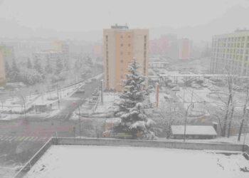 La neve ha ricoperto l'abitato di Potenza, in Basilicata