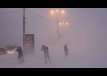 russia vladivostok stavolta uragano di ghiaccio vento e neve video meteo 350x250 - METEO: Tempesta di Ghiaccio violentissima a Vladivostok. Foto e video
