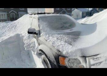tempeste di neve in svezia villaggi isolati video meteo 350x250 - Uragano di neve in Svezia. Sepolte case e automobili. Video meteo