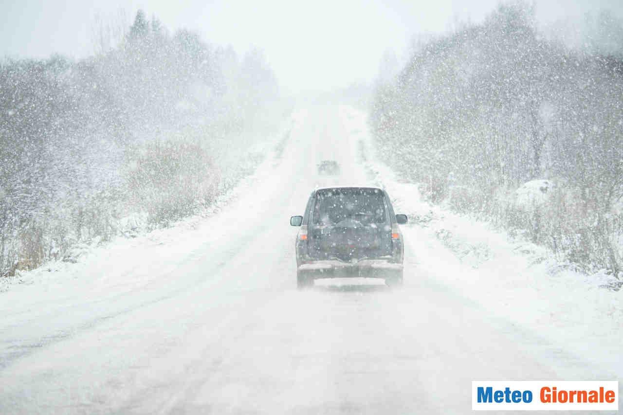 meteo giornale 00103 - Nord America: mega tempesta invernale. 1,4 milioni abitazioni al buio. Allerta meteo su 150 milioni di cittadini