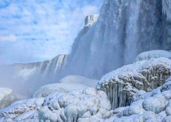 Il congelamento delle cascate del Niagara