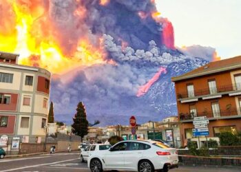 etna infernale eruzione evento e 350x250 - VULCANI, il rischio meteo climatico è una costante: anno senza Estate