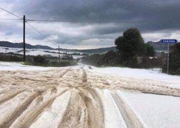 Grandinata come fosse neve sul nord Sardegna, nei pressi di Luogosanto
