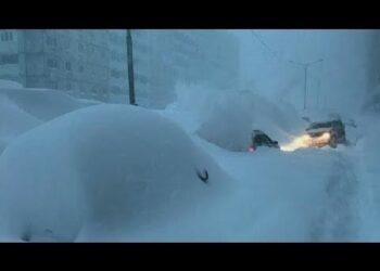 mosca la citta non sa piu dove a 350x250 - Attorno a MOSCA, colline di NEVE. Inverno da neve record