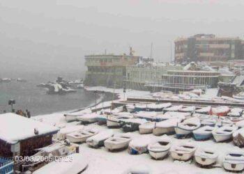 Priaruggia, borgo di Genova sul mare: era il 3 marzo 2005. Foto di Lorenzo Antognetti