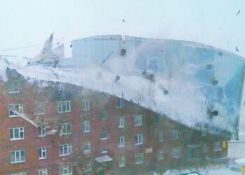 siberia straordinari uragani di 350x250 - TEMPESTA DI GHIACCIO che rischia di diventare storica