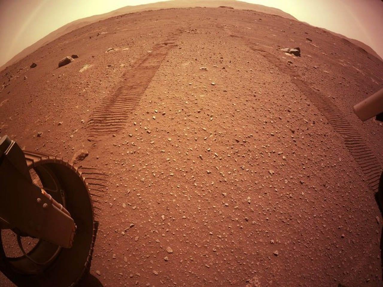 tracce rover marte - Perseverance cammina su Marte. Le nuove immagini, in vista di un super test