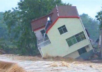 video meteo australia e un disas 350x250 - Video meteo: Australia, è un disastro per alluvioni. Il 40% della popolazione è in allerta