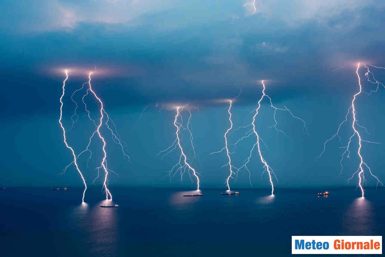 meteo giornale 00298 - MAGGIO con BOMBE d'ACQUA per cambiamenti meteo climatici