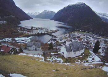 video webcam dalla norvegia hell 350x250 - Meteo 7 Giorni. MALTEMPO con FREDDO e NEVE verso il Sud. Novità dal weekend