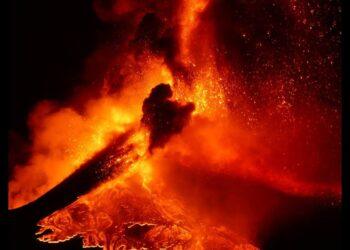 etna live eruzioni in corso 350x250 - Live, programma meteo e con webcam dal Mondo