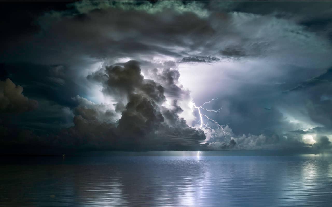 forte temporale - GIUGNO subito in forte crisi meteo con Temporali in molte regioni d'Italia