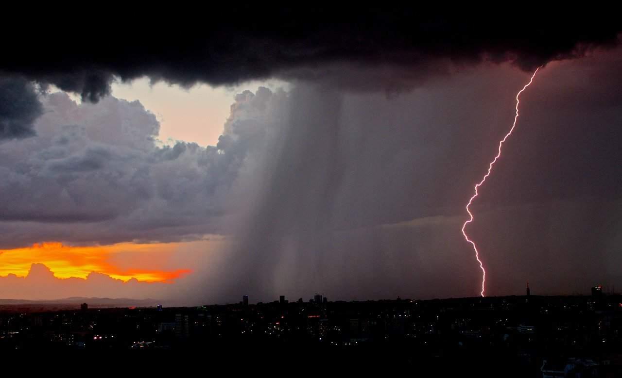 lightning 801866 1280 - Sulle orme meteo dell'Estate 2021