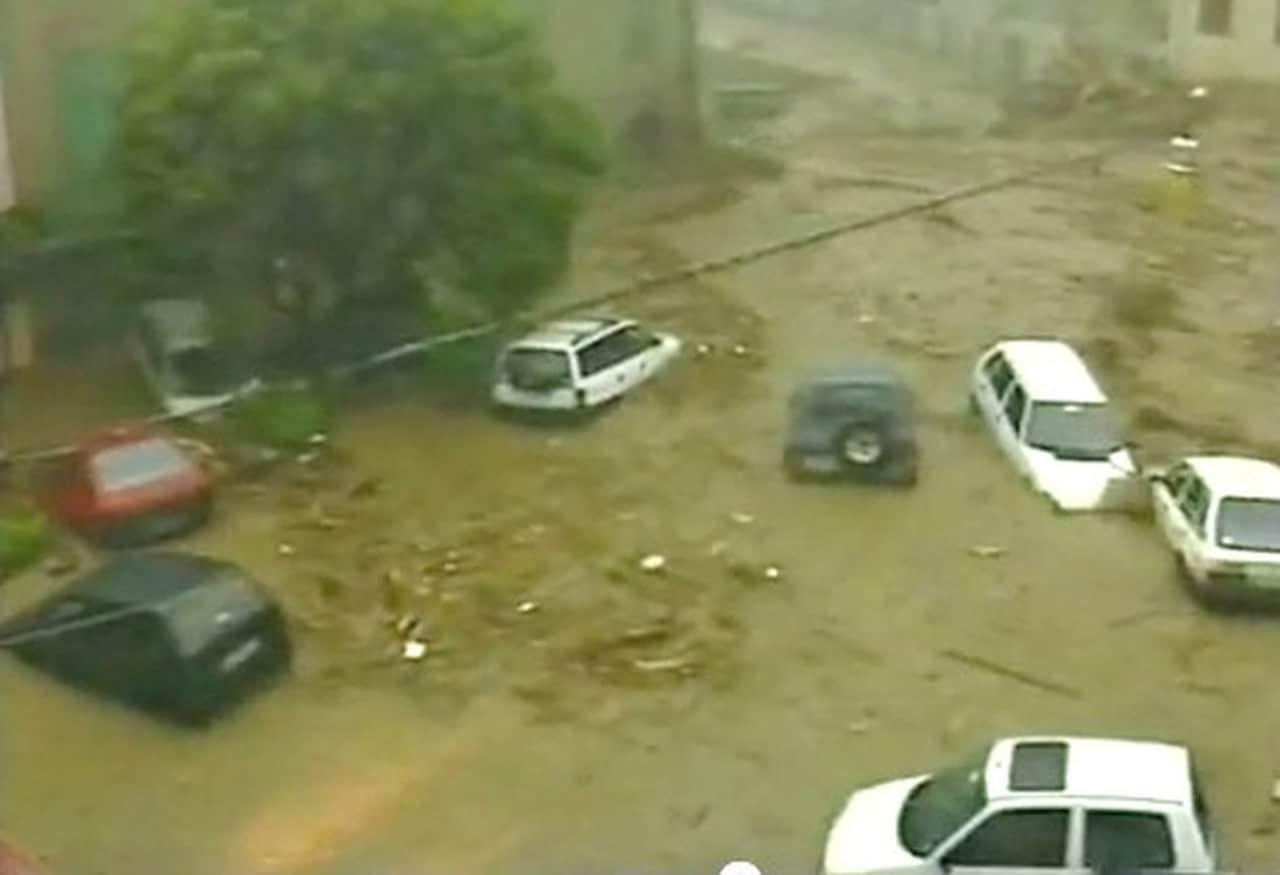 alluvione versilia - ALLUVIONE Versilia tra i peggiori EVENTI METEO di sempre per la TOSCANA