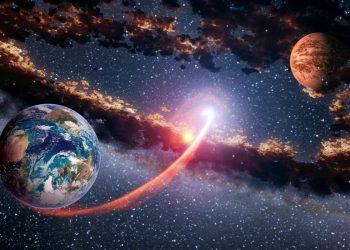 meteorite tra terra e marte 1 350x250 - Una grande astronave aliena avvistata vicino alla Terra. Opinioni discordanti