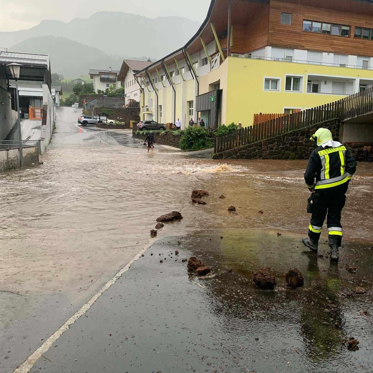 218494010 4311925848867427 3775634506982071684 n - Alluvione lampo in Alto Adige, ingenti danni. Ormai meteo estremo sempre più frequente