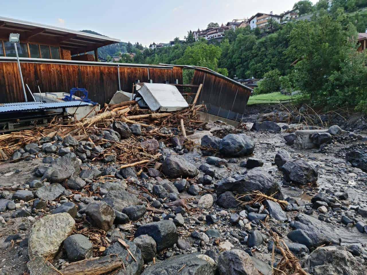220780456 4311802075546471 2626302164529744621 n - Alluvione lampo in Alto Adige, ingenti danni. Ormai meteo estremo sempre più frequente