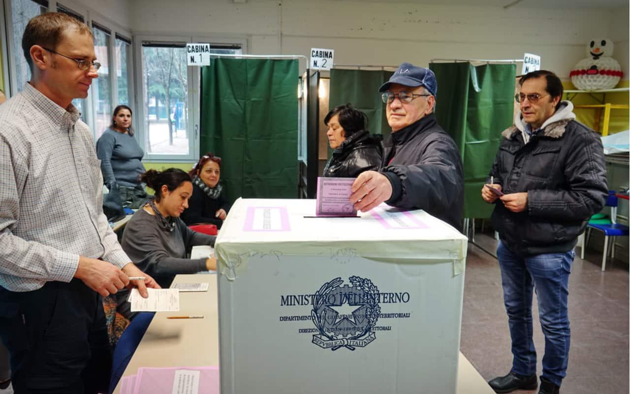 elezioni politiche - Prevedere l'esito elettorale con un modello matematico per malattie infettive
