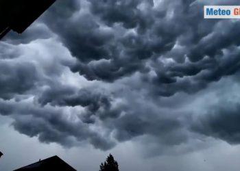 germania nubi nerissime annuncia 350x250 - Video meteo con il drone in una città devastata dall'alluvione in Germania
