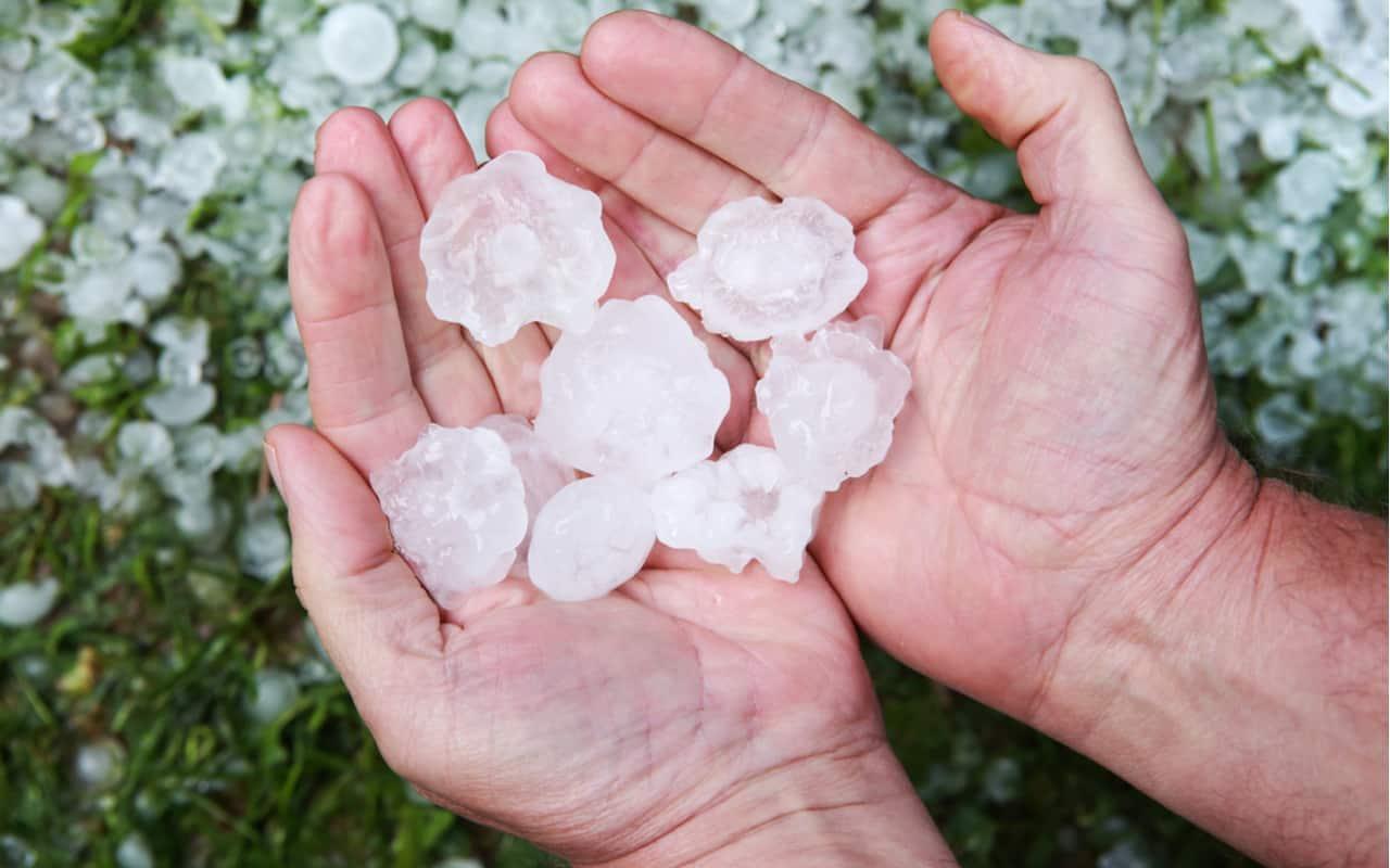 grandine - NORD OVEST, meteo da Milano a Torino: prossime ore rischio forti temporali con grandine