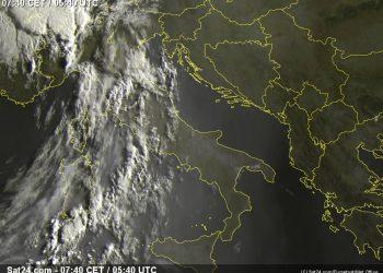 Italia vista dal meteosat alle 7:40.