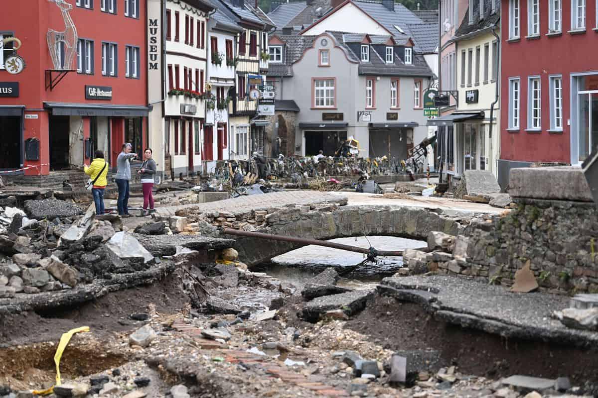 inondazioni germania - DISASTRO meteo europeo: l'esempio dell'estremizzazione climatica