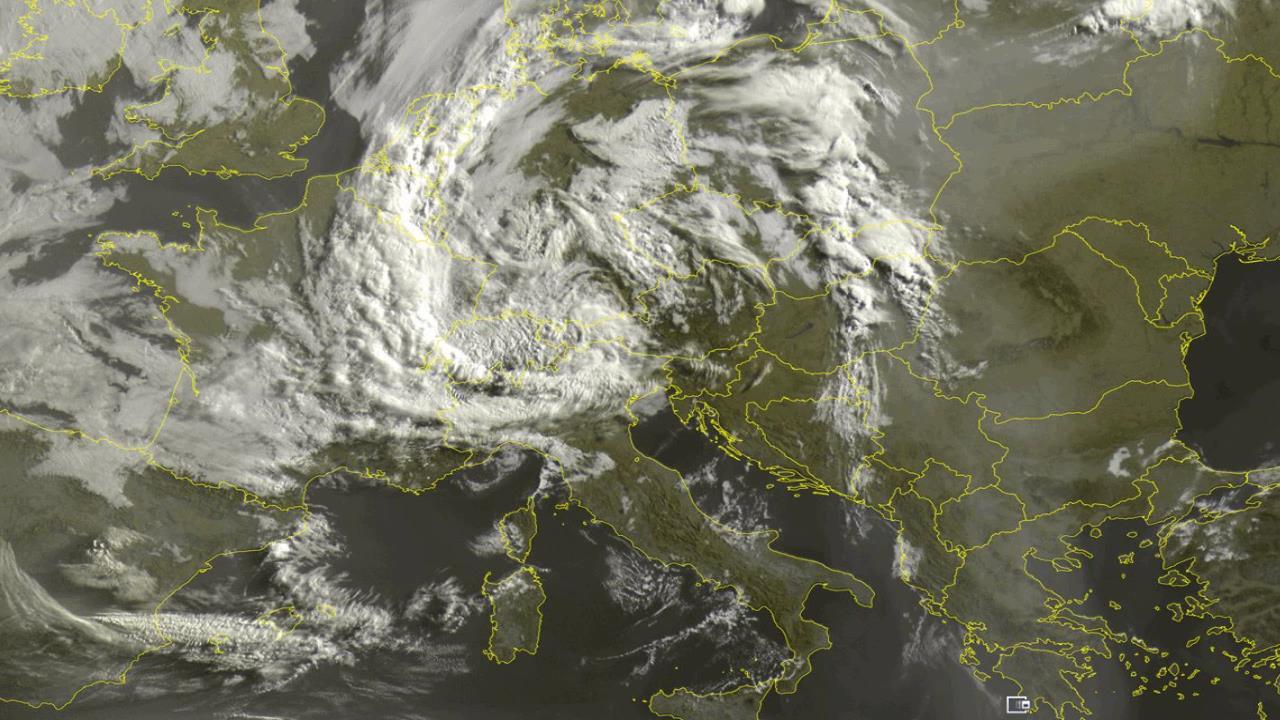 meteosat ore 8 - Meteo ITALIA, ci viene ADDOSSO un NOCCIOLO d'aria FREDDA nel CUORE dell'Estate. Video