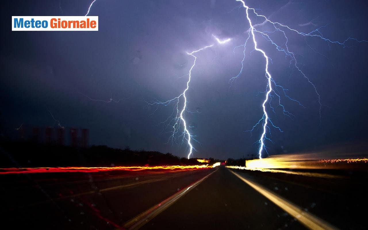 temporali 1 - Grandi novità meteo per domenica: PEGGIORA, ecco dove