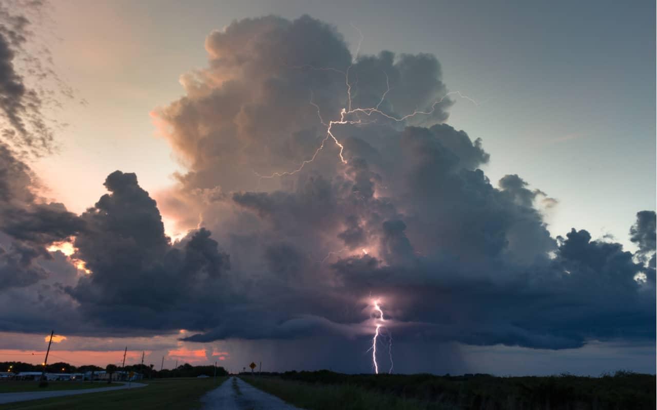 temporali tropicali - Siamo immersi nel Meteo sub TROPICALE. La QUIETE prima della BURRASCA estiva