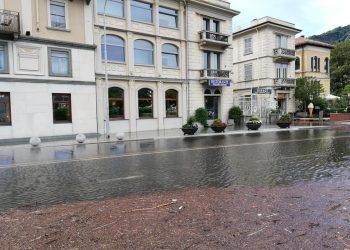 Inondazione della piazza principale di Como.