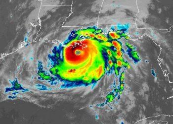 Immagine satellitare dell'uragano Ida.
