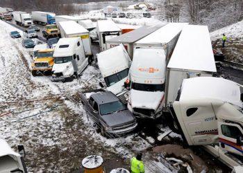 improvvise tempeste di neve in c 350x250 - Eccezionale temporale allaga l'aeroporto di Milano Malpensa, salvataggi in canotto