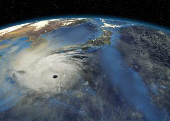 Immagine rappresentativa di un grosso Tifone verso il Giappone.