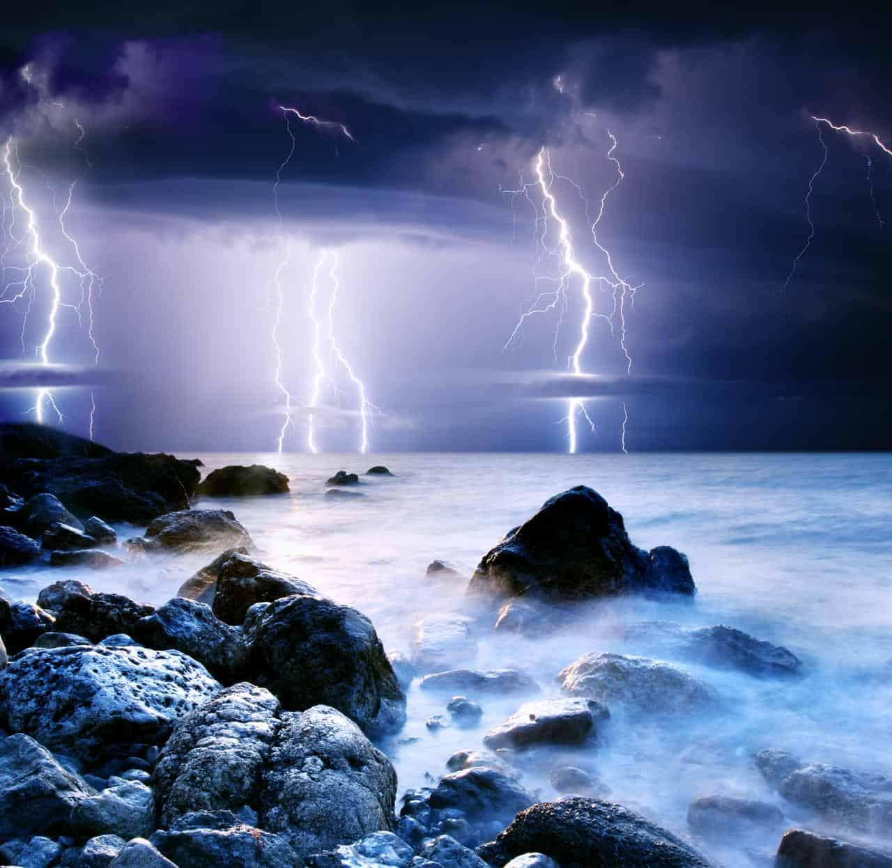 meteo 06267 - Rischio METEO ESPLOSIVO per le calde acque del Mar Mediterraneo