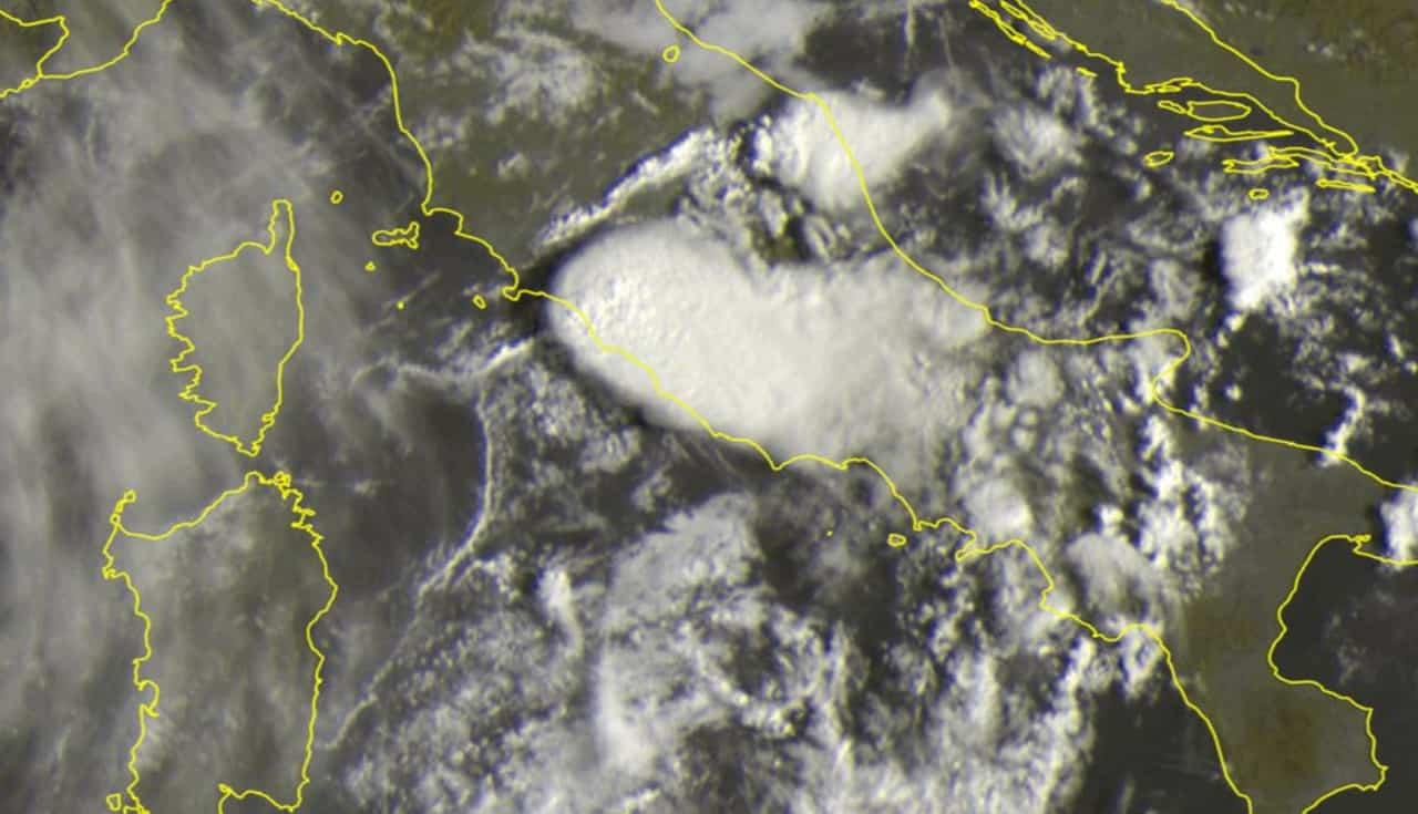 meteosat lazio - Diretta Meteo Lazio e Roma, temporale con tempesta elettrica