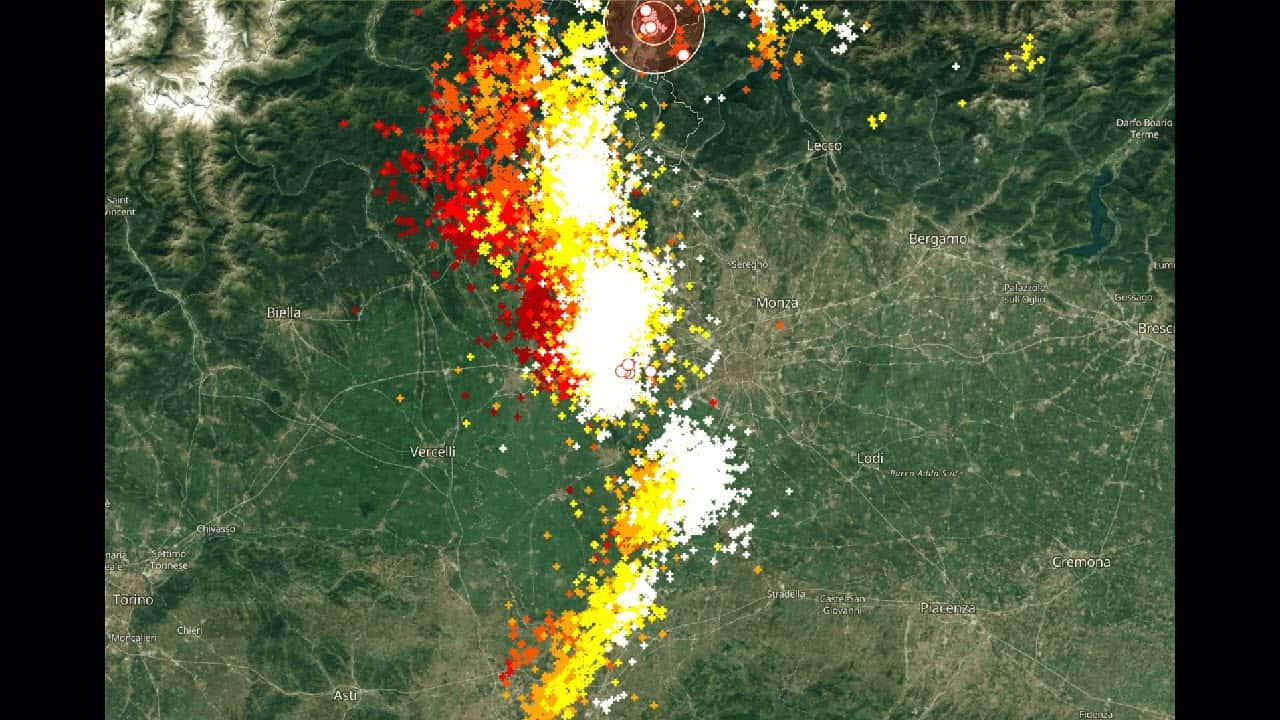 temporale milano - Meteo Milano, nella rotta di un violento temporale. Rischio su Como, Brianza, Lecco