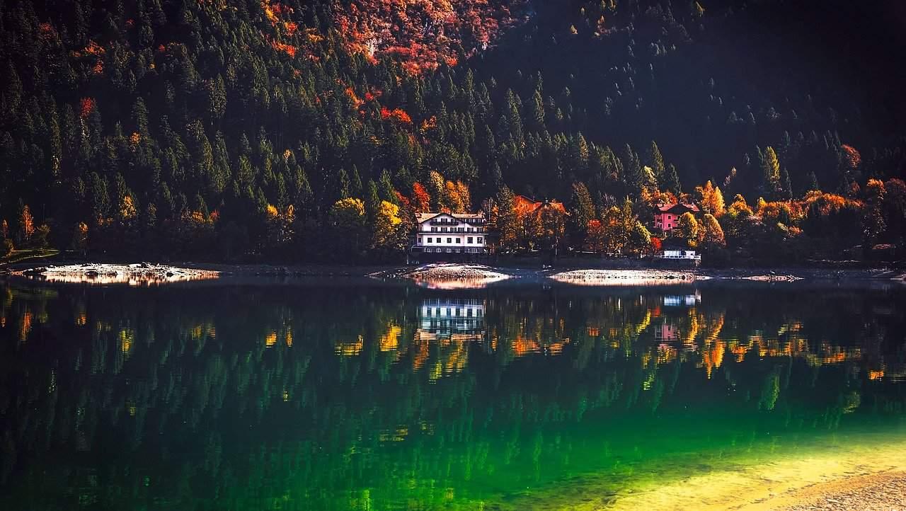lake molveno 1982409 1280 - Meteo d'Autunno italiano perduto che non tornerà più