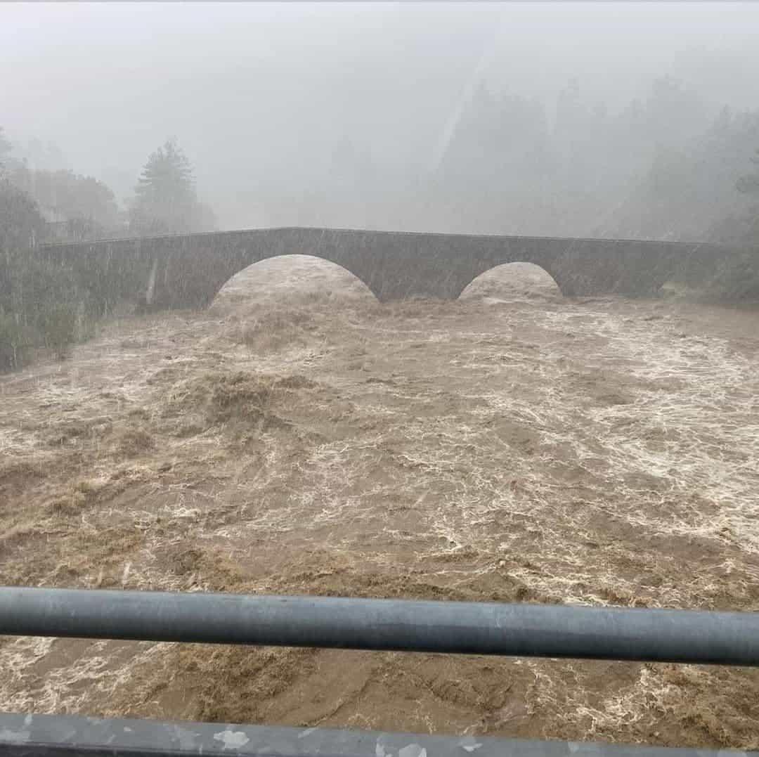 photo 2021 10 04 16 37 32 - METEO: è stata un'ALLUVIONE sino a 900 millimetri di pioggia in 24 ore. Situazione stamattina